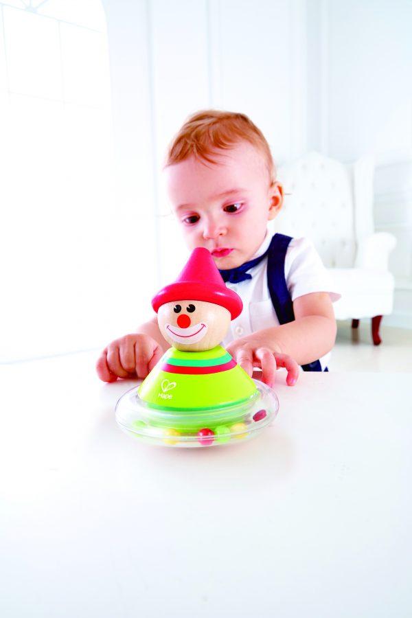 Roly-Poly Ralph - rammelaar - clown - hout - kunststof- speelgoed - houten speelgoed - dn houten tol - de mouthoeve - boekel - hape - baby