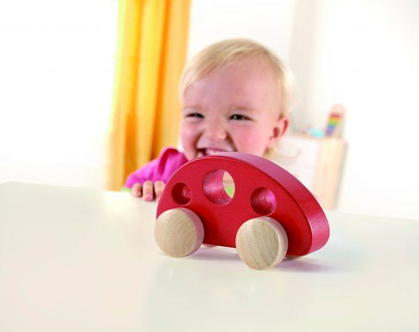 Rode houten auto - auto - rood - hout - speelgoed - houten speelgoed - dn houten tol - de mouthoeve - boekel - baby - peuter - hape- rood