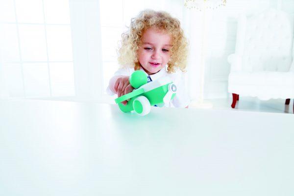 Aqua houten vliegtuig - aqua - blauw - hout - vliegtuig - speelgoed - houten speelgoed - dn houten tol - de mouthoeve - boekel - baby - peuter - hape