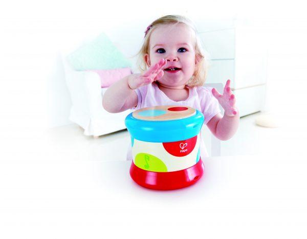 Baby trommel - trommel - drum - kleuren - hout - kunststof - baby - peuter - speelgoed - muziek - houten speelgoed - dn houten tol - de mouthoeve - boekel - hape