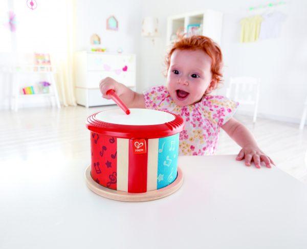 dubbelzijdige trommel - drum - hout - baby - peuter - kleuter - speelgoed - houten speelgoed - dn houten tol - de mouthoeve - boekel - hape -muziek