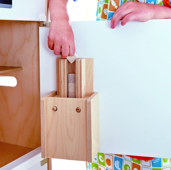 koelkast - Witte koelkast met vriesvak - white fridge freezer - hape - E3153 - speelgoed - houten speelgoed - peuter - kleuter - vanaf 3 jaar - keukentje - dn houten tol - de mouthoeve - boekel - winkel