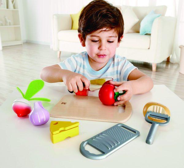 kook ingredienten & keukengerei - cooking essentials - hape - speelgoed - houten speelgoed - hout - E3154 - peuter - kleuter - vanaf 3 jaar - dn houten tol - de mouthoeve - boekel - keukentje - koken - uien