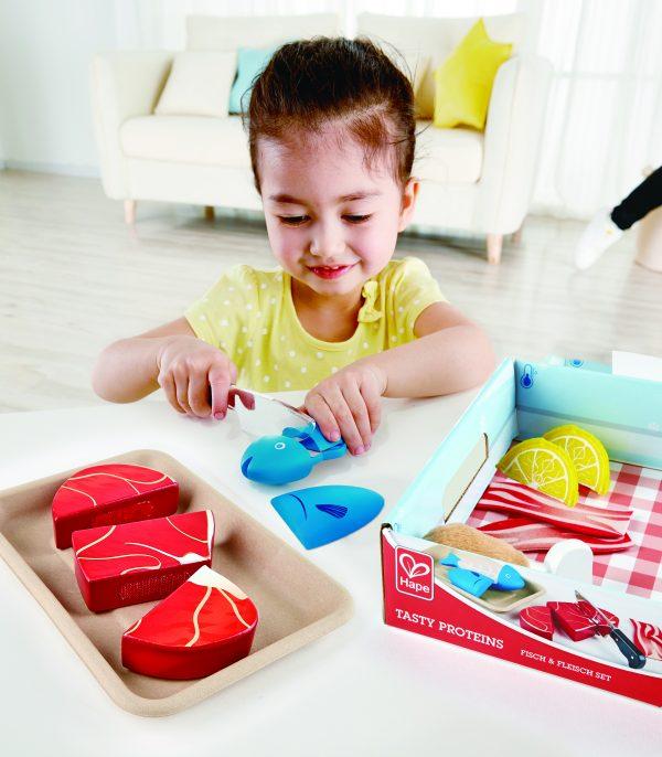 vis - vlees - kip - eiwitten set - tasty proteins - hout - speelgoed - houten speelgoed - keukentje - hape - E3155 - dn houten tol - peuter - kleuter - de mouthoeve - boekel - winkel