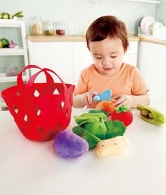 keuken - keuken spulletjes - toddler vegetable basket - groentenmand - hout - stof - vilt - speelgoed - houten speelgoed - dn houten tol - de mouthoeve - boekel - winkel - E3167 - Hape