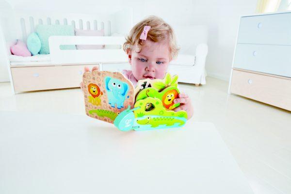 hape - boekje - houten boekje - wilde dieren - lezen - leeuw - cadeau - dn houten tol - de mouthoeve - boekel - speelgoed - houten speelgoed - dreumes - baby - lezen - E0047