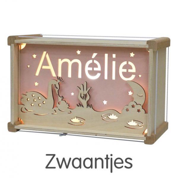 Het houtlokael - kleuren - thema lamp - speelgoed - kinderlamp - hout - nachtlamp - houten - shop - zwaantjes - thema