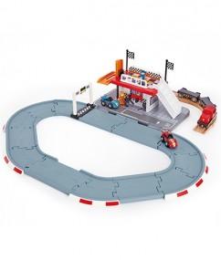 racebaan - racebaan tankstation - hape - race track station - speelgoed - verkeer - houten speelgoed - trein - treinen - trein voor kinderen- E3734 - station - boekel - speelgoedwinkel - de mouthoeve - dn houten tol