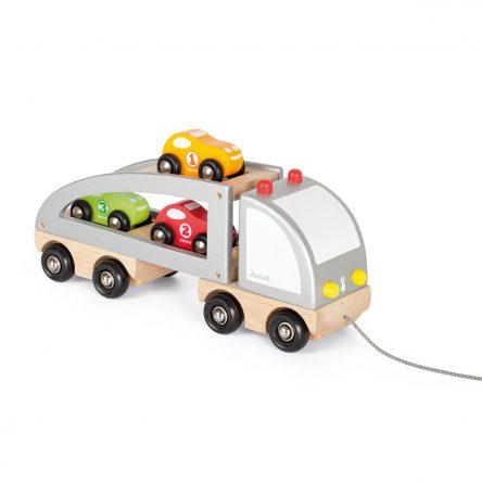 Vrachtwagen met 3 auto's