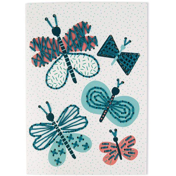 Janod Atelier - Kaarten borduren - Janod - knutselen - knutsel spullen - borduren - kinder borduurkaart - speelgoed - houten speelgoed - educatief speelgoed - dn houten tol - de mouthoeve - boekel - shop - speelgoedwinkel boekel