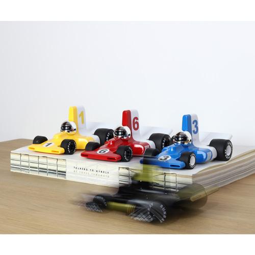 Verve Velocita jean - vanaf 3 jaar - race auto - klassiek - ABS plasticmodel auto - playforever - janod - auto - 07VF301 - decoratie auto - speelgoed - houten speelgoed - kinderspeelgoed - kraamcadeau - gender party - babyshower - dn houten tol - webshop - speelgoedwinkel - boekel - mannen auto - verjaardags cadeau voor kinderen en mannen