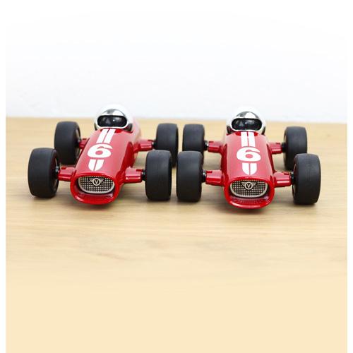 Verve Malibu Ross - vanaf 3 jaar - race auto - klassiek - ABS plasticmodel auto - playforever - janod - auto - 07VM203 - decoratie auto - speelgoed - houten speelgoed - kinderspeelgoed - kraamcadeau - gender party - babyshower - dn houten tol - webshop - speelgoedwinkel - boekel - mannen auto - verjaardags cadeau voor kinderen en mannen -